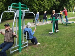 Colin-and-Sheila-Gratton-Janet-Dean-and-Nicola-Wood-at-Bramshall-Park-on-the-new-gym-equipment-1024x768
